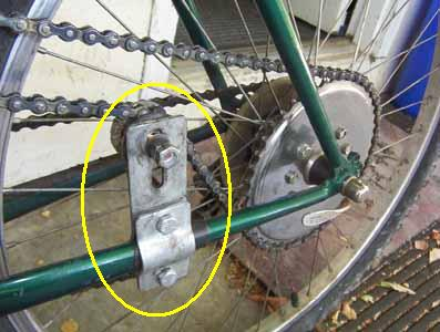 9. mounting chain tensioner on motorized bicycle.jpg