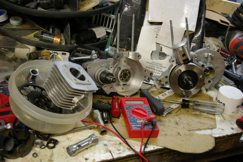 Rebuilding Chinese 2-stroke engine - photo tutorial | Motorized