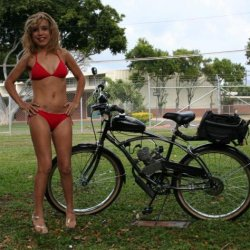 All gas bikes need bikini girls!