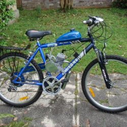 Michael Elliott's Blue Bike with an EziRide Cycles motor kit.