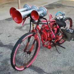 nathan k3ha train horns on my ghetto paint job briggs and stratton motorbike