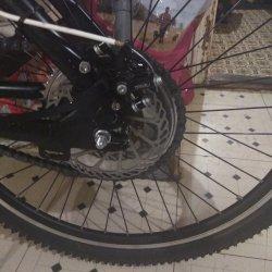 Freewheel sprocket with hydraulic disk brake