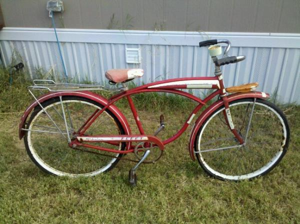Future project for the wife.  A 1962 Schwinn Fleet I picked up at an estate sale for 35 bucks.