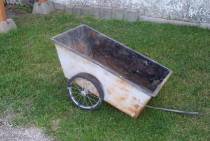 This is a photo of the garden cart I am converting into a sidecar. I got the dang thing for free at a yard sale.